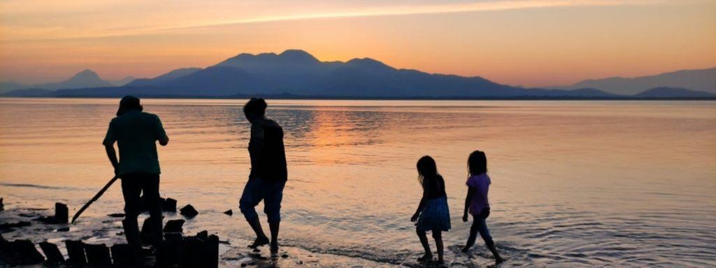 Família na comunidade Ilha Rasa, Foto: Neliane Mendes.